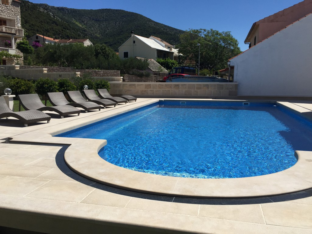Villa Jadranka Bol apartments with swimming pool