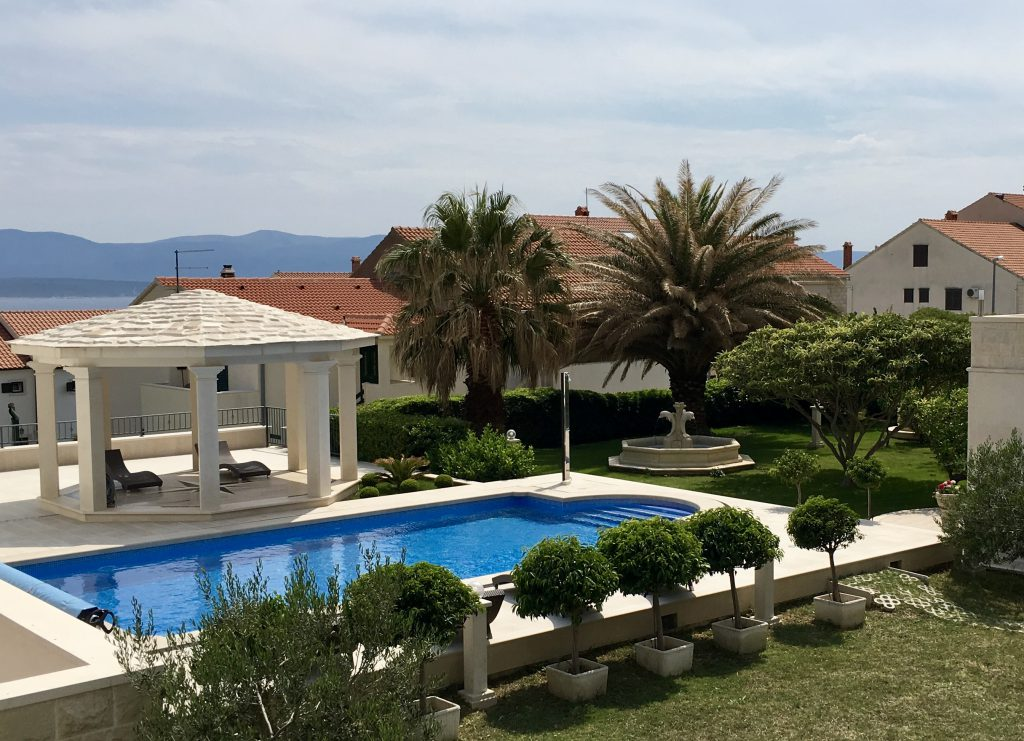 Villa Jadranka Swimming pool and garden