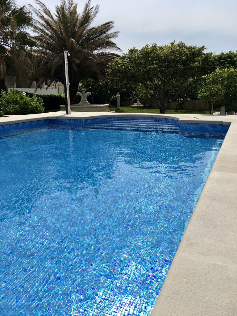 Villa Jadranka Swimming pool and garden