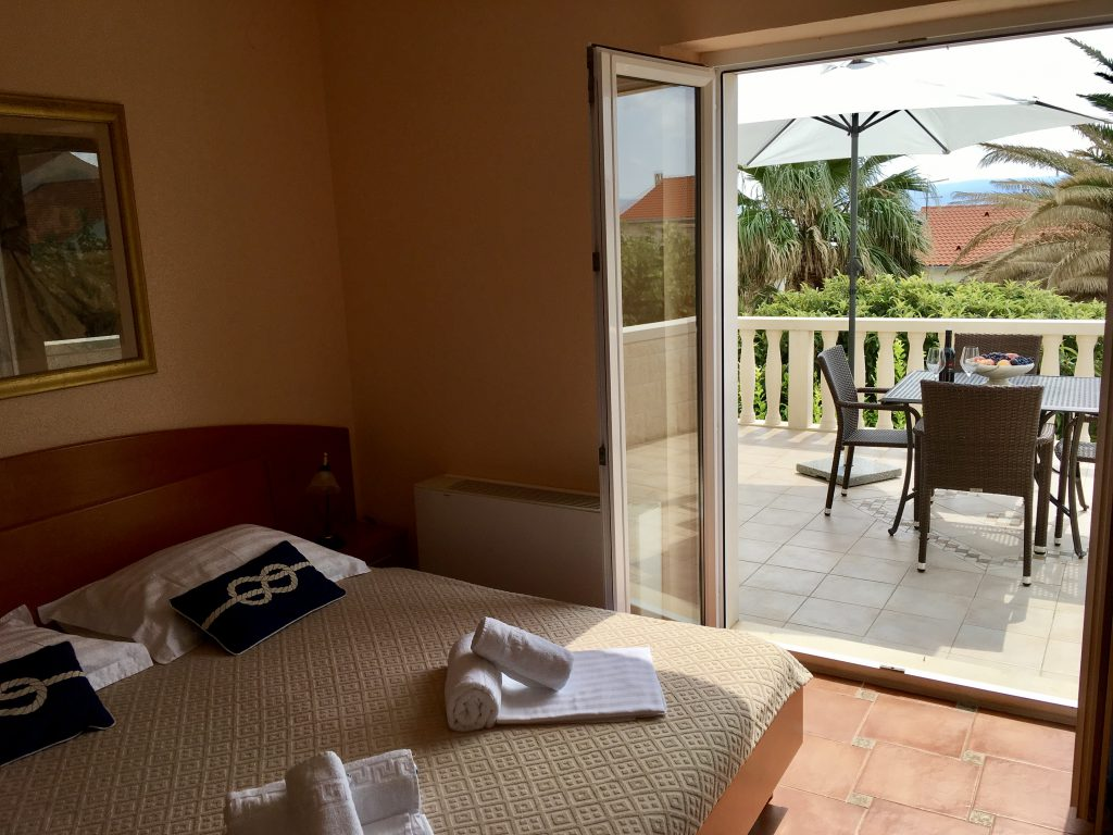 Apartment Mimoza bedroom, terrace, apartments Villa Jadranka bol