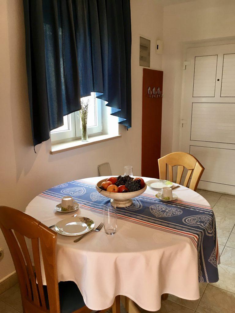 Apartment Mimoza, dining room, kitchen, apartments Villa Jadranka bol